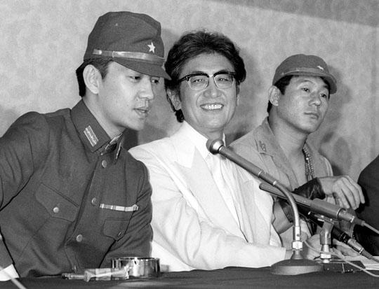 Sakamoto, Ôshima y Takeshi durante una rueda de prensa del film.